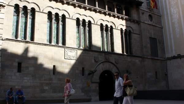 Anticorrupci n registra el ayuntamiento de lleida por las for Oficina empleo lleida