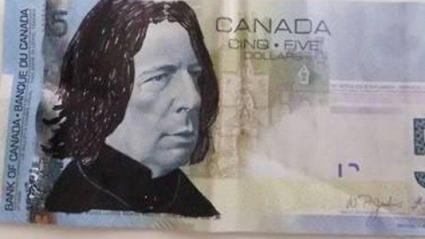Billete de 5 dólares canadienses con la cara de Severus Snape