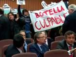 Protestas en un acto de Ana Botella
