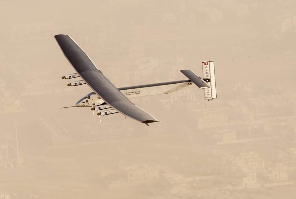 El Solar Impulse II comienza su vuelta al mundo