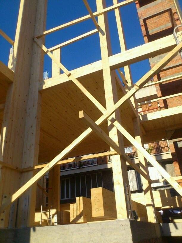 Madrid y barcelona compiten por las casas 39 sostenibles 39 de - Seguros casas de madera ...