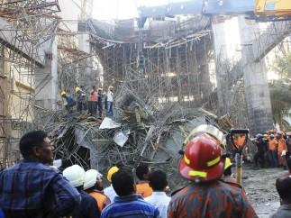 Al menos cinco muertos en un derrumbe en Bangladesh