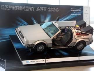 Una réplica del DeLorean