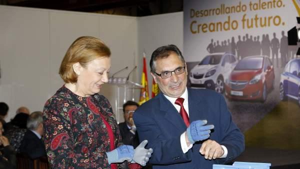 Rudi y el director general de la planta de Figueruelas