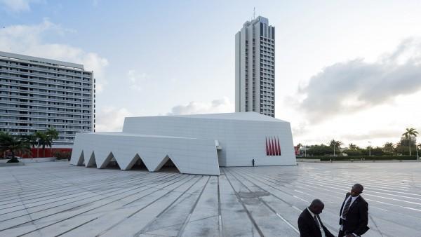 Hotel Ivoire, Abidjan (Côte d'Ivoire), by Heinz Fenchel and Thomas Leiterdorf, 1962-1970