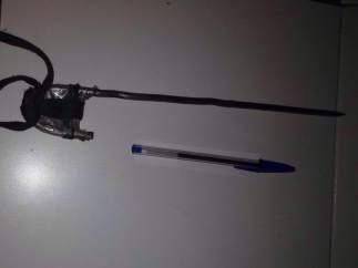 Pincho carcelario decomisado en la prisión de Algeciras hecho con una varilla de hierro.