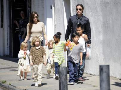 La familia Pitt-Jolie