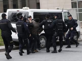 La Polic�a turca detiene a miembros del DHKP-C