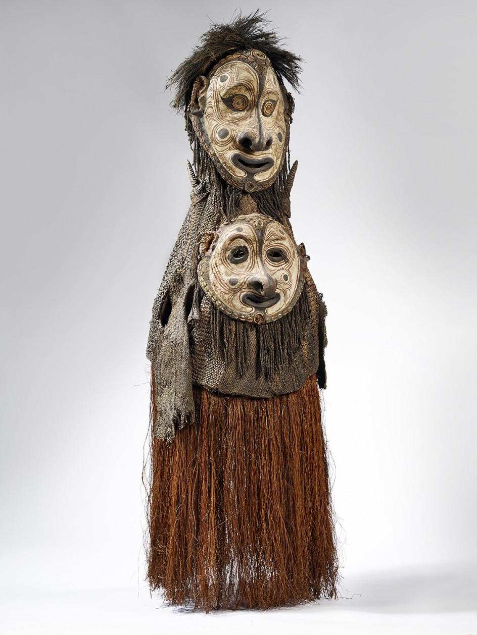 Maske. Otra de las máscaras pintadas de la cultura sepik