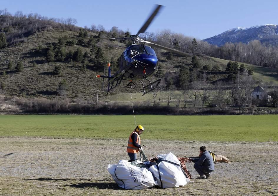 Sigue la limpieza de los restos de la catástrofe de los Alpes