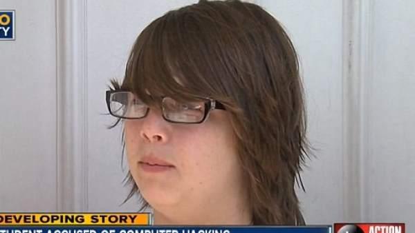 Un joven de 14 años se enfrenta a una pena de cárcel por cambiar un fondo de escritorio
