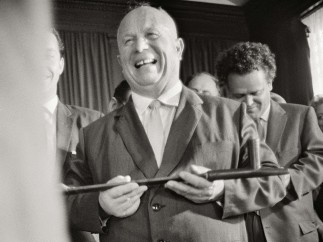Enrique Meneses - Kruschev  en Nueva York
