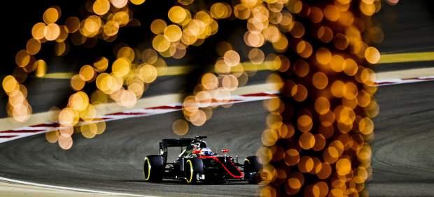 Pole para Hamilton en Bahréin, Sainz sale noveno y Fernando Alonso, decimocuarto
