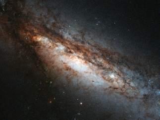 La galaxia NGC 660
