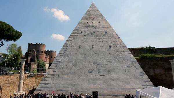Pirámide de Roma