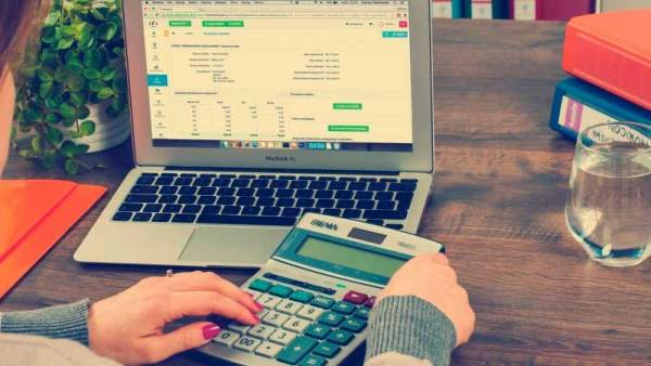 Los autónomos, el IVA y el IRPF: gastos que pueden deducirse