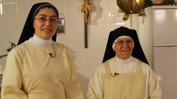 Sor Beatriz y Sor Liliana.