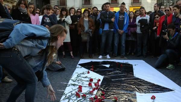 Homenaje por el profesor asesinado en Barcelona