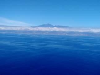 Manchas de fuel llegando a Tenerife