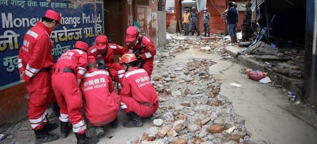 Los primeros españoles evacuados de Nepal llegarán a Nueva Delhi esta noche