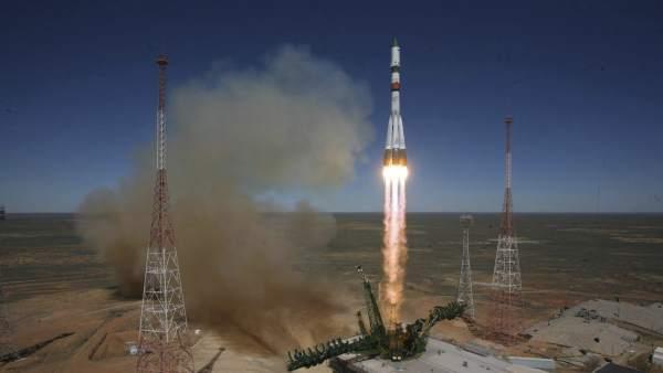 Rusia lanza un carguero espacial