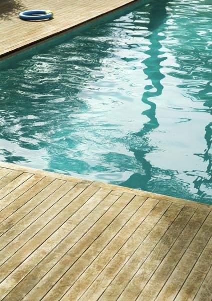 Muere ahogado un joven al caer a una piscina en torremolinos for Piscina torremolinos