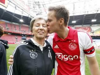 El Ajax celebra el día de la madre