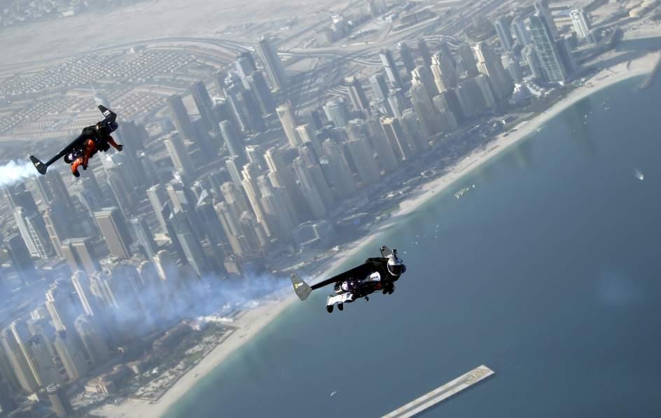 'Jetman' sobrevuela Dubái