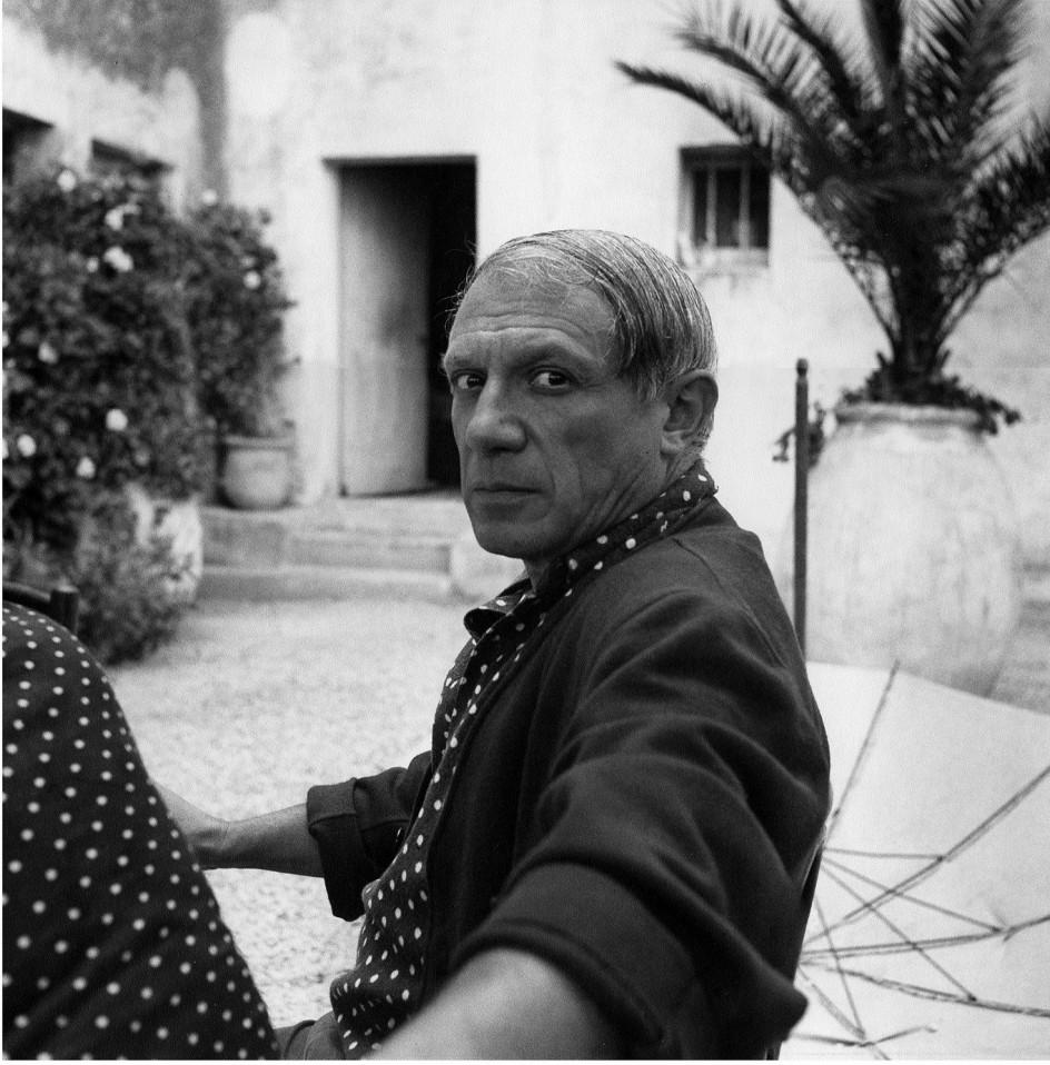 Lee MILLER (1907-77) - Picasso - Hôtel Vaste Horizon, Mougins, France, 1937