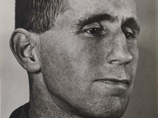 Grete Stern. Bertolt Brecht, 1934