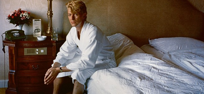 Helmut Newton - David Bowie, Bedroom, Kempinski Hotel, Berlin, 1983