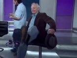 Bill Murray se cae de una silla