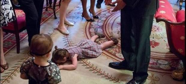 Así fue la divertida reacción de una niña ante Obama en una visita familiar a la Casa Blanca