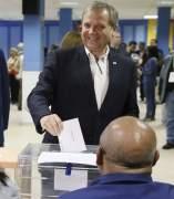 Carmona vot� a las 10.00 h