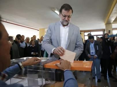 Rajoy, votando este 24-M