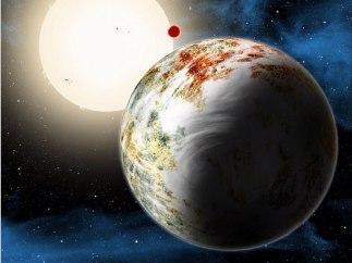 Exoplaneta con su luna