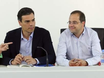 Pedro S�nchez y C�sar Luena