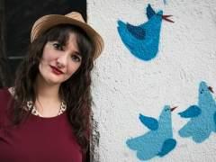 La periodista multimedia Mari Trini Giner en el Centro Social La Tabacalera (Madrid)