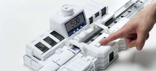 Diseño del primer tren de levitación magnética en miniatura en Japón.