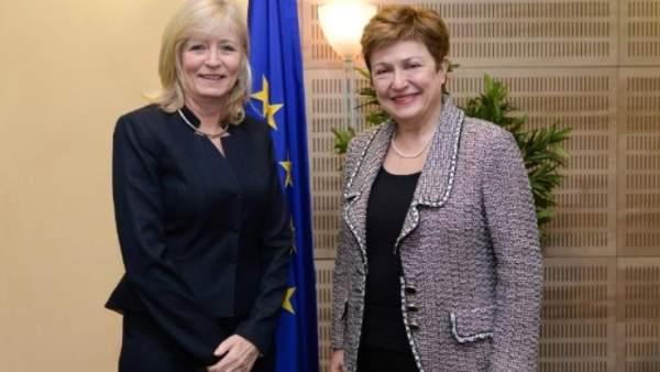 La Defensora del Pueblo Europeo, Emily O'Reilly, y Kristalina Georgieva, vicepresidenta de la Comisión Europea.