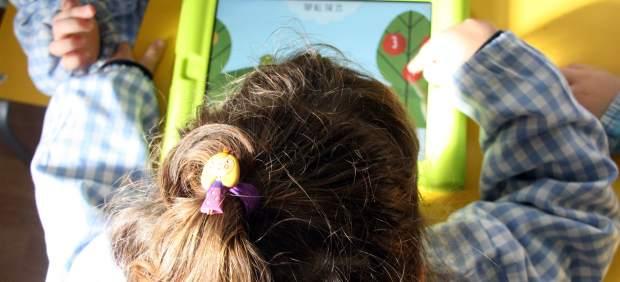 Un informe defiende que las nuevas tecnologías ayudan al desarrollo de los niños