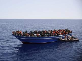 Inmigrantes en el Canal de Sicilia
