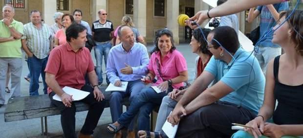 Zaragoza en Común y CHA negocian en plena Plaza del Pilar