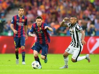 Messi se libra de Vidal