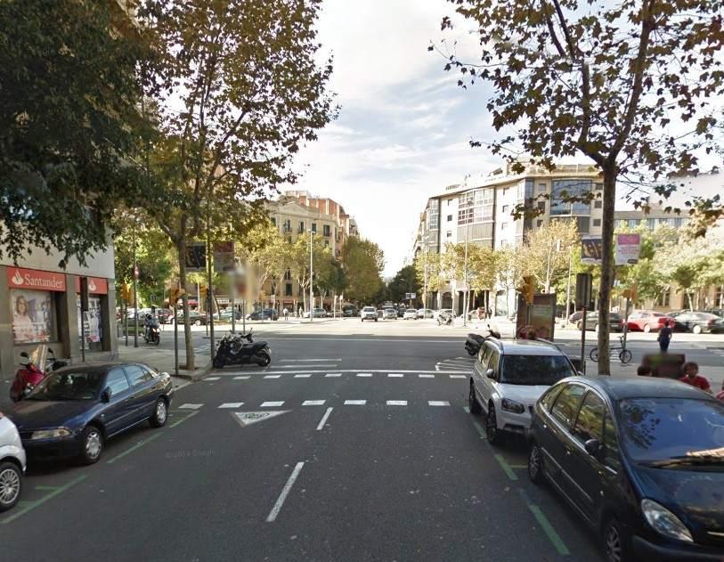 Apu alan a un vecino de l 39 eixample durante un robo por un - Calle montserrat barcelona ...