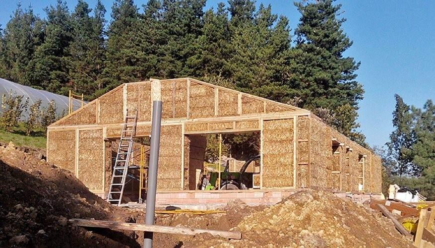 Ahorro Energ 233 Tico Construyen La Primera Casa Con Paneles