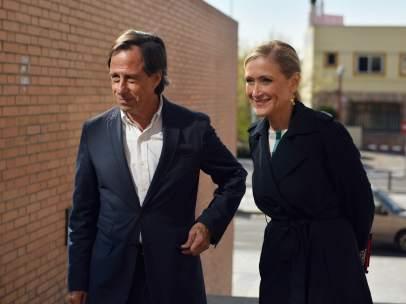 Ignacio García de Vinuesa, con Cristina Cifuentes