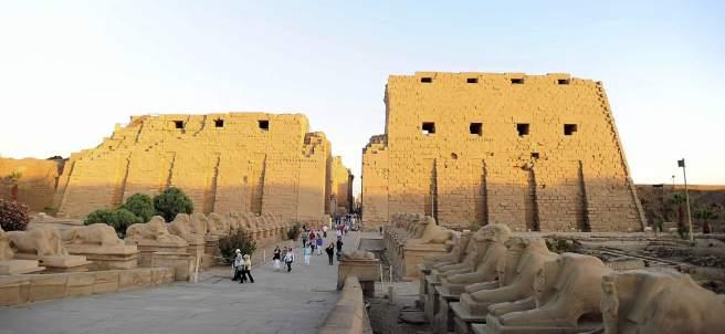 Turistas en Luxor