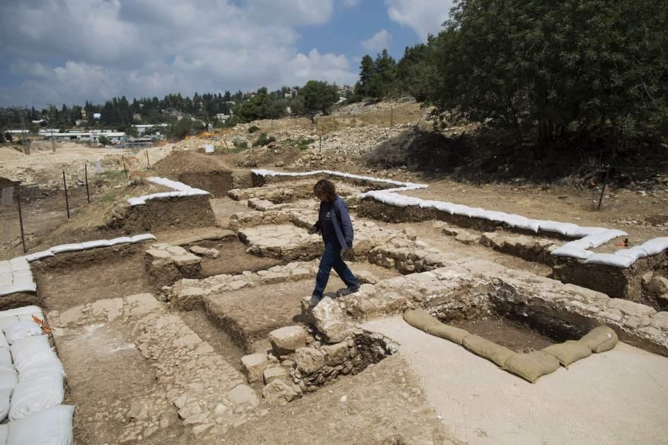 Hallan una iglesia milenaria en Israel