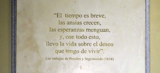 Placa del monumento a Cervantes